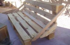 Поддоны – замечательный материал для дачной мебели